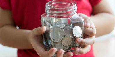 Cara Mengajari Anak Bijak Menggunakan Uang